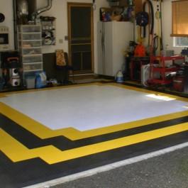 ПВХ плитка в гараж